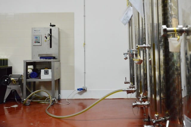 foto silos e imbottigliatrice 1